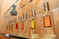 Flakoniki z perfumami